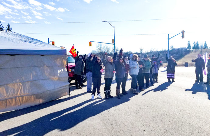 Haudenosaunee demonstrate a day of action in solidarity with Wet'suwet'en