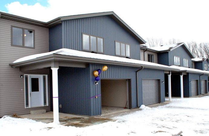 New homes, new neighbourhood at Six Nations